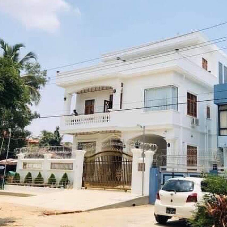 လုံးချင်းတိုက် ေ ရာင်းမည် Image, အိမ် classified, Myanmar marketplace, Myanmarkt